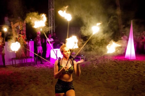 Looktrope République Dominicaine Breathless Resort & Spa Pyrotechnie